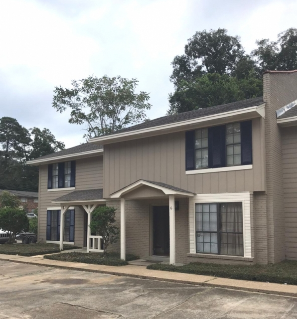 600 Front Street Apartments: 2 BR Townhome In